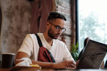 Blogging For Business: 7 Awesome Benefits Revealed